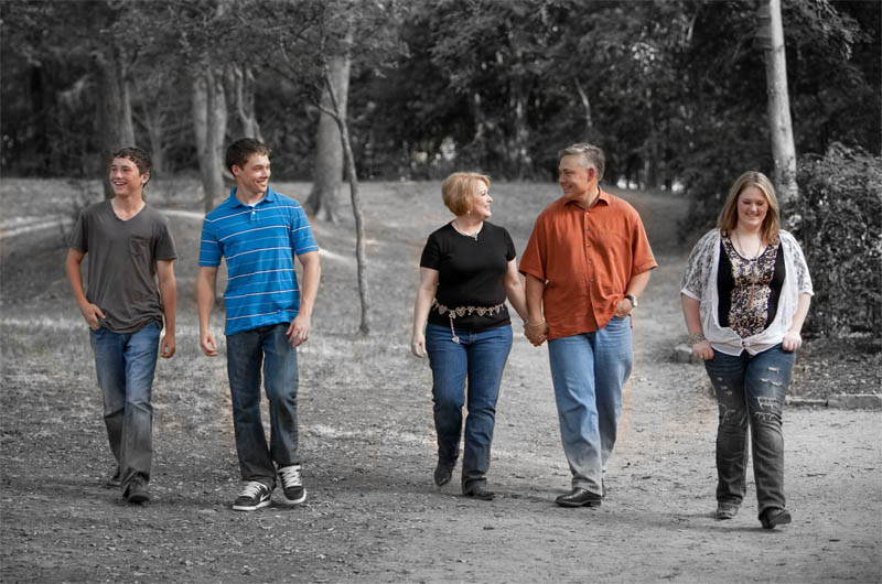 glen-james-family-color-on-bw